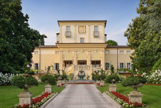 Corrubbio di Negarine, Italy: Exterior