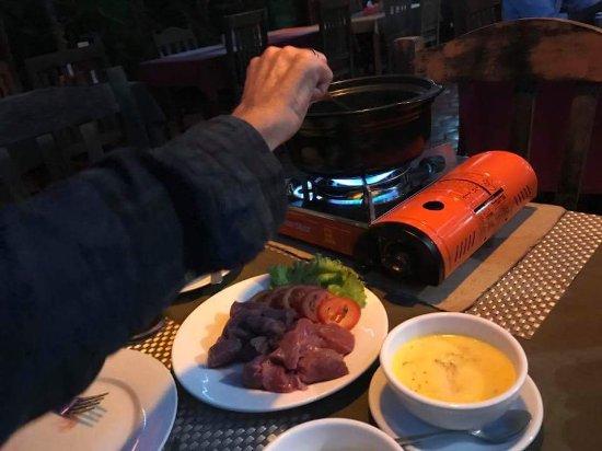 The Crocodile River Bistro: Beef Bourguignone and Beef Tartar