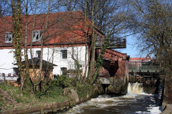 Lubeck Altstadt (Lubeck Oldtown): Trave