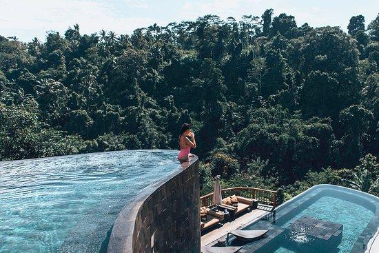 Hanging Gardens of Bali: Amazing Pool