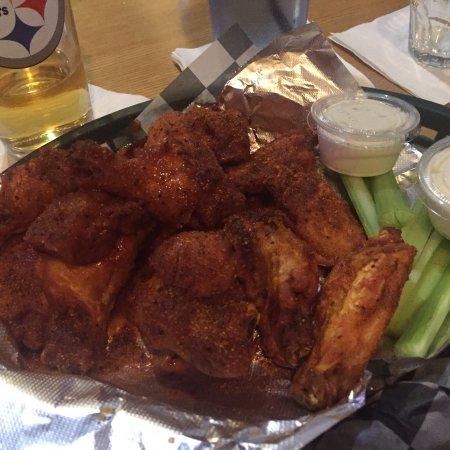 McKees Rocks, PA: Cajun Buffalo wings