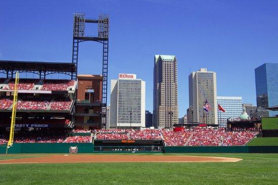 Hilton St. Louis at the Ballpark: Exterior