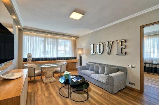 Divani Caravel Hotel: Suite