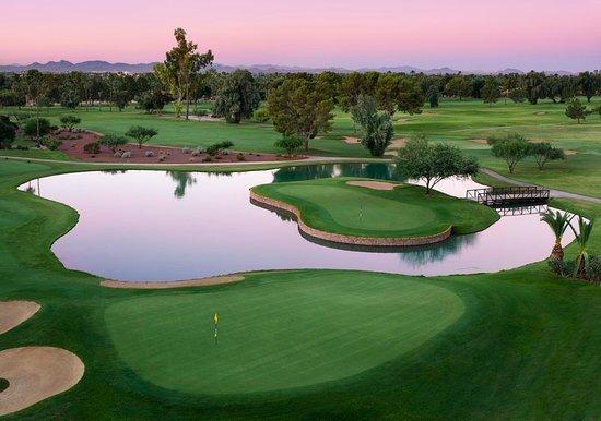 Litchfield Park, AZ: Golf course