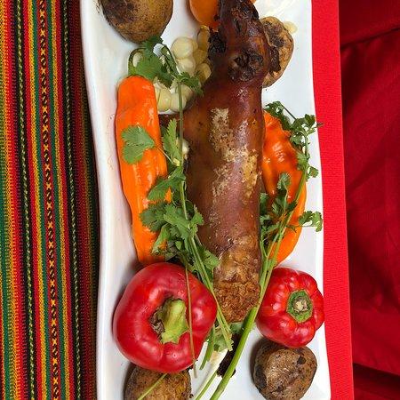 Sicuani, بيرو: モルモットを試食