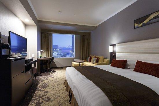 Shibuya Excel Hotel Tokyu Quad Room