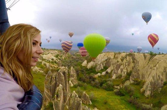 Vôo do balão de ar quente de...