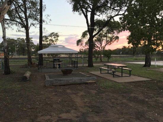 Miles, Австралия: BBQ area