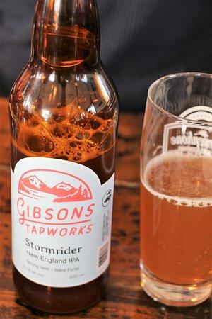 Gibsons, Kanada: Serving good local beer