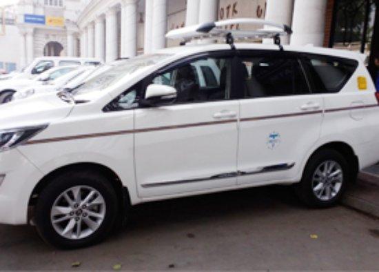 Taxi Wala Delhi India And Travel In Delhi Taxi Service In Delhi Car