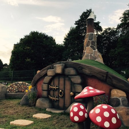 West Wickham, UK: Enchanted Village Adventure Golf