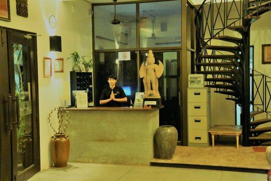 Bunwin Boutique Hotel: Receptionist