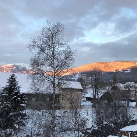 Mariapfarr, Austria: Morgenstimmung mit Blick aus dem Appartement