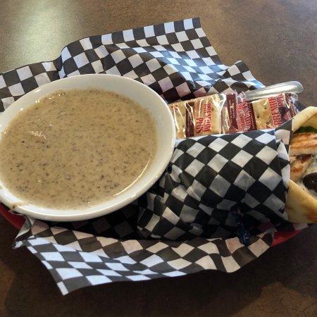 Black Creek, Kanada: Greek Wrap With Cream Of Mushroom Soup