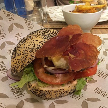 Restaurante bowie 39 s en oviedo con cocina americana for La pepita burger salamanca