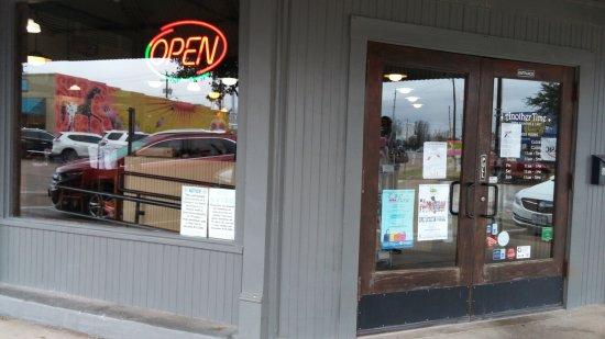 Rosenberg, TX : Soda fountain cafe entrance