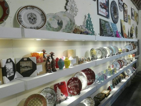 Amron Gift Shop
