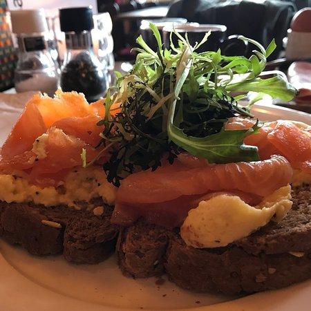 Heerlijk relaxed ontbeten bij Grand Cafe Brinkmann. Echte aanrader, zeker voor gasten van Amrath