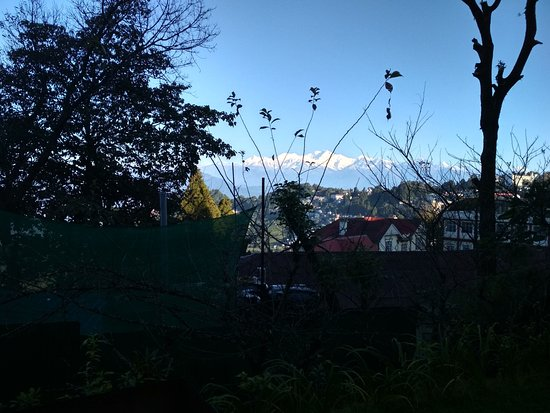Summit Swiss Heritage Hotel & Spa: view from hotel ground of Kanchanjangha