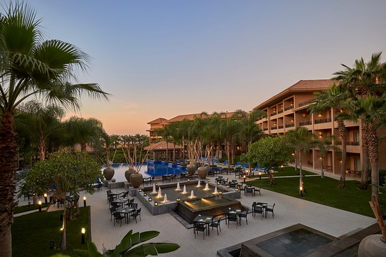 Dusit Thani LakeView Cairo: Welcome to Dusit Thani Lakeview Hotels New Cairo. A grand paradise in Mediteranean