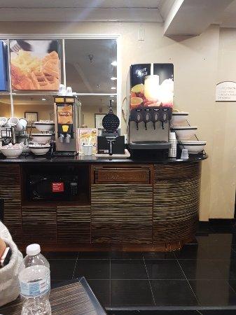 Comfort Inn: TA_IMG_20180211_080237_large.jpg
