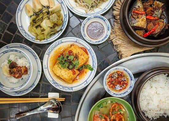 Com Moc - Hanoi Cuisine: Mâm Cơm Mẹ Nấu