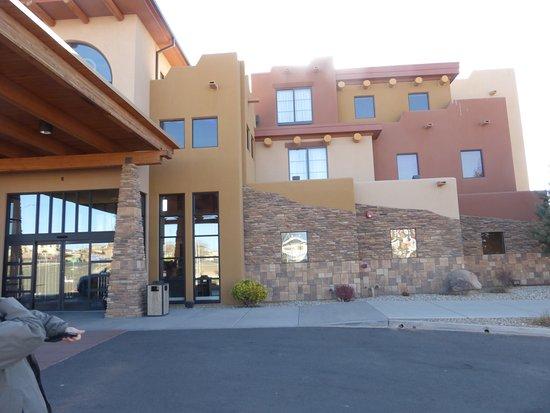Eingangsbereich Des Hotels Picture Of Moenkopi Legacy Inn Suites Tuba City Tripadvisor
