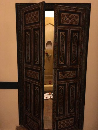 Riad Dar Dialkoum: beautiful doors