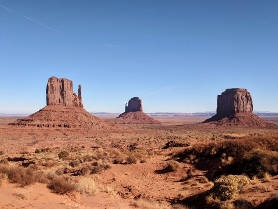 Wildcat Trail: Three Buttes from the visitor carpark