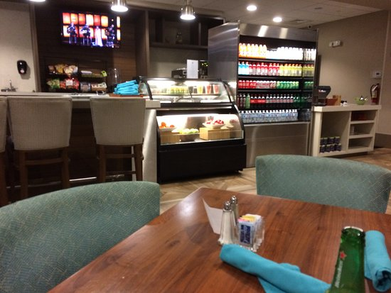 West Palm Beach Airport Gecko S Restaurant