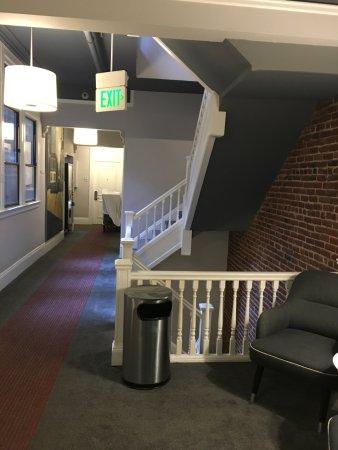 Hotel Union Square : Saída do elevador, acesso aos corredores dos quartos