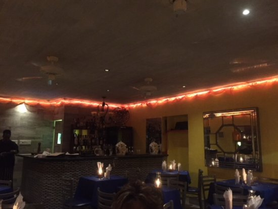 Holetown, Barbados: Inside of the restaurant