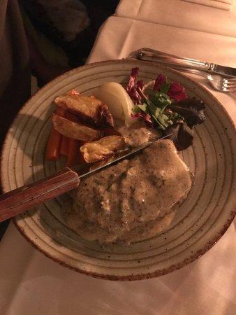 Trattoria Fluviale Vecio Mulin: Filetto di manzo con funghi e patate