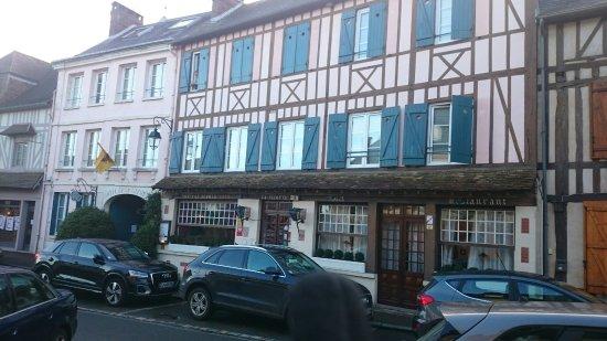 Lyons-la-Foret, فرنسا: DSC_0580_large.jpg