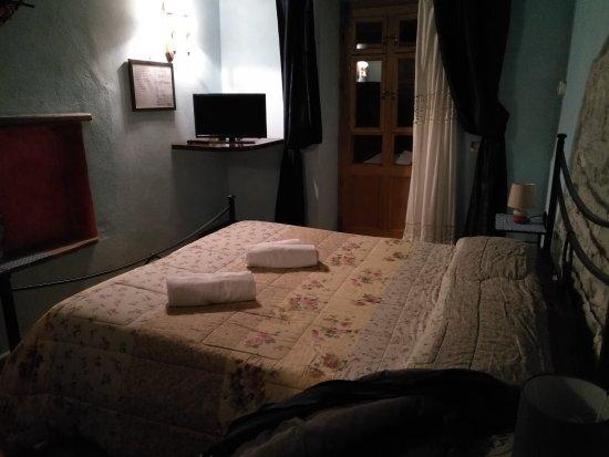 Semproniano, Italien: Una delle camere