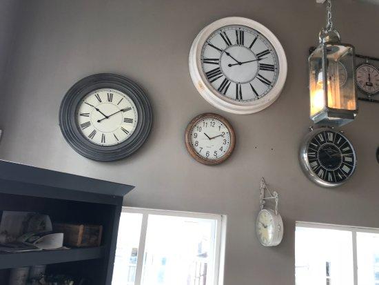 Ramsgate, Sydafrika: more clocks on wall
