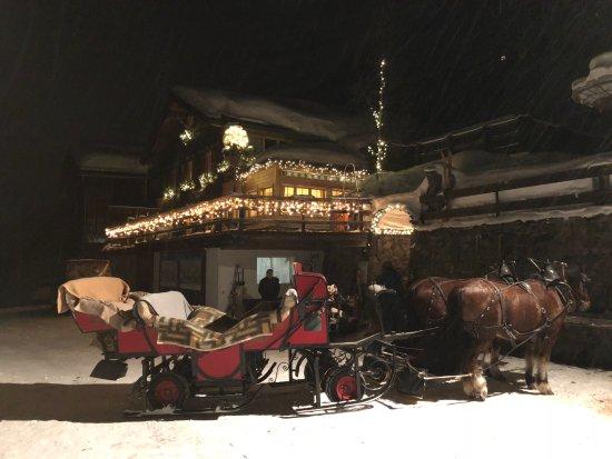 Restaurant Teufi: Winterlicher und romantischer Eingang