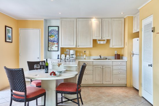 2 Bed Rm Cottage with Kitchenette