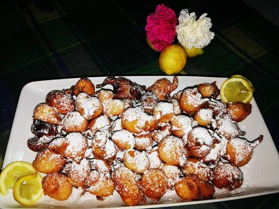 Sant'Alfio, Italia: Frittelline per i nostri sopiti