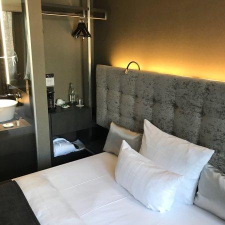 saks urban design hotel frankfurt bewertungen fotos. Black Bedroom Furniture Sets. Home Design Ideas