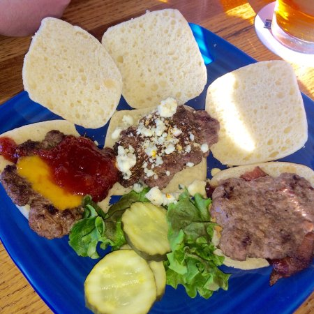 East Grand Forks, Μινεσότα: The East Slider Platter! Great idea!