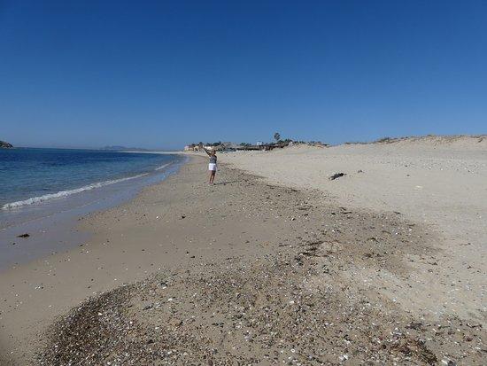 Condo-Hotel Playa Blanca: 10 minute walk to 2 great beachfront bar/restaurants