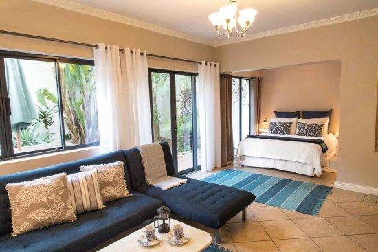 Sunshine Letting Apartments : Studio apartment with patio