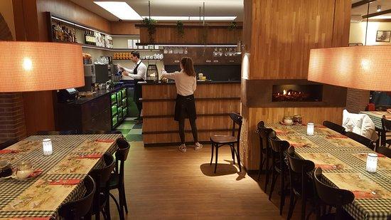 't Pannekoekhuis Schaarsbergen: Uitstraling die je verwacht van een pannenkoekenrestaurant, maar dan strakker.