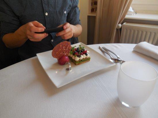 Noeux-les-Mines, France : gateau pistache avec creme legere