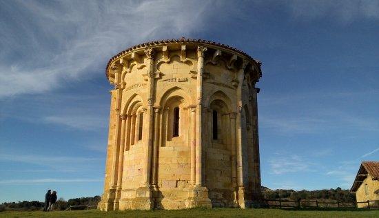 Trevino, Spania: ermita románica San Vicentejo. abside