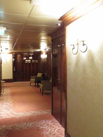 UNA Hotel Scandinavia: Descansillo de la planta
