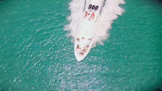 Cupecoy Bay, St Martin / St Maarten: Dron seven Marine