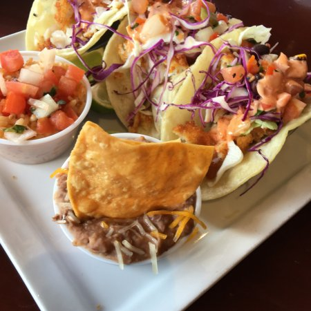 Gordy's Boat House Bar & Restaurant: Fish tacos