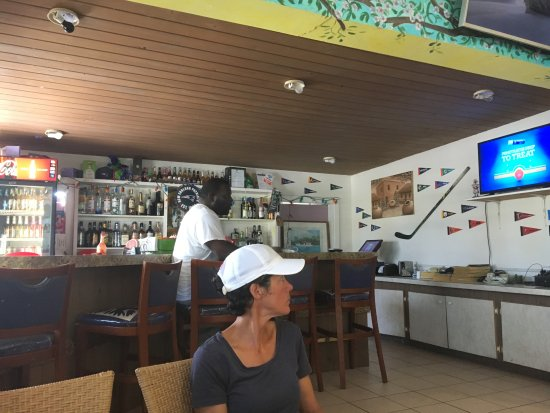 Great Guana Cay: Bar area